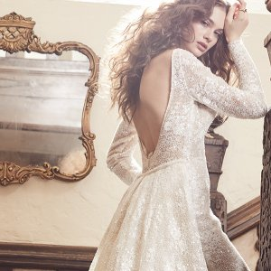 Regal wedding gown