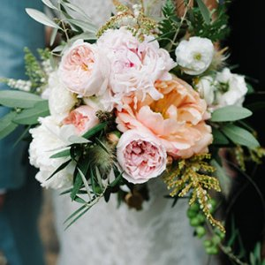 Show stopping ideas for your wedding flowers bridalguide related articles junglespirit Image collections
