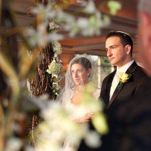 Modern Twists On Popular Jewish Wedding Traditions