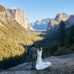 bride and groom mountain wedding