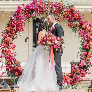 Beyond Centerpieces 25 Creative Ways To Use Flowers In Your Wedding