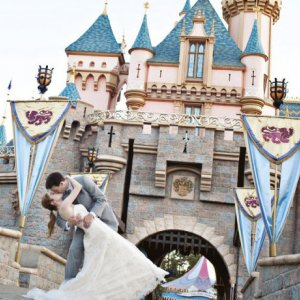 12 Romantic Ideas for a Beauty and the Beast Theme Wedding