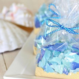 25 edible wedding favors your guests wont leave behind bridalguide 50 inspired bridal shower favors junglespirit Gallery