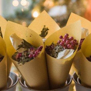 25 Innovative Ideas For Your Wedding Toss Bar