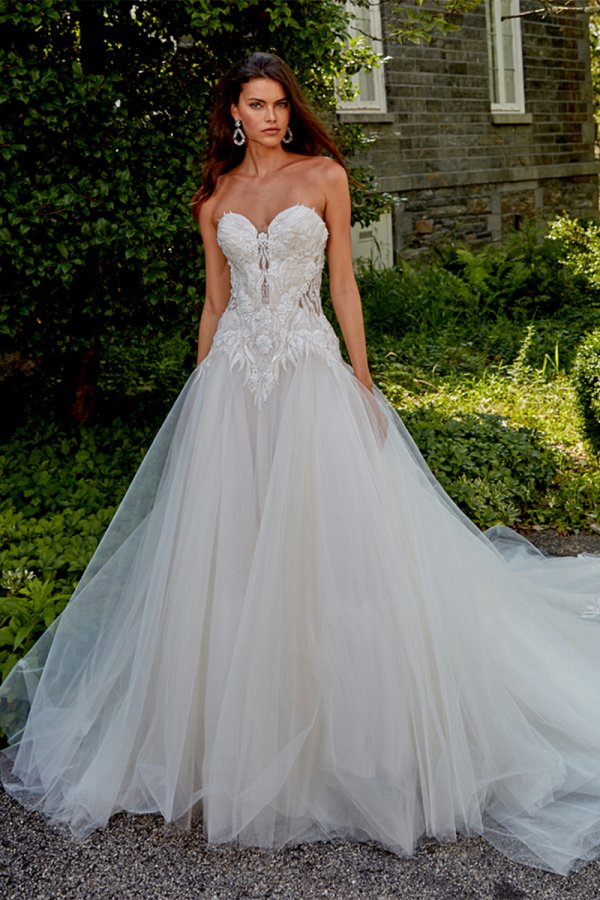 Eve of Milady Boutique, Style 1656