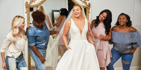 Plus-Size Model Iskra Lawrence Renews Partnership with Justin Alexander for #BeYou Campaign