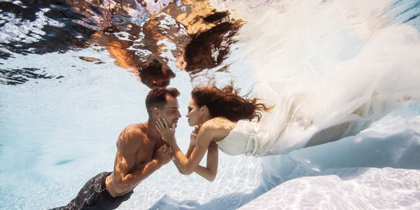 underwater wedding